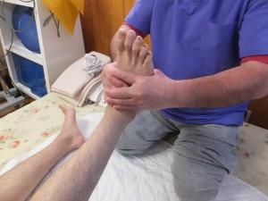 足首の内外反の微脱臼整復