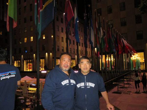 国士館大学柔道部部長の森脇先生と記念写真